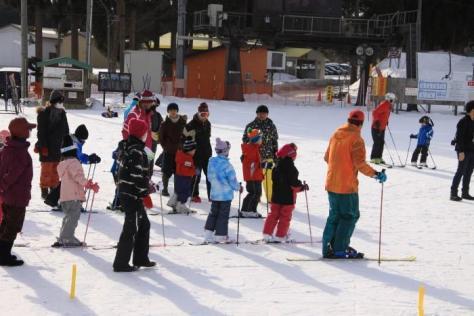 本日の七戸町営スキー場もたくさんの子供たちで賑わいました!